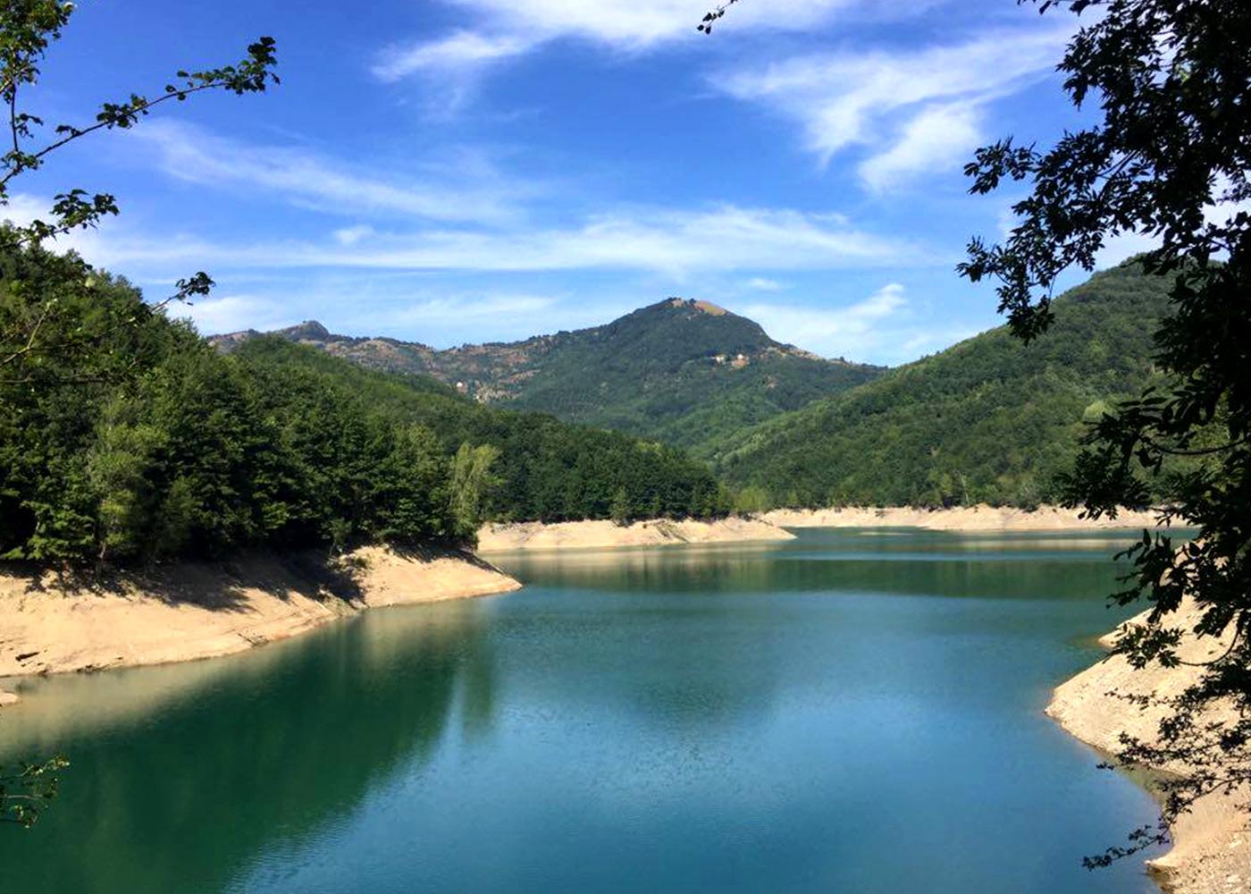 Tra il Monte Antola e il lago del Brugneto, un mondo da scoprire