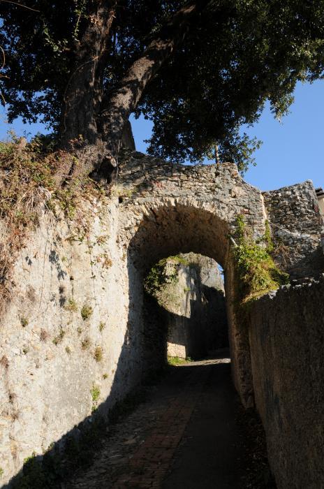 Via Cristo di marmo, verso Borzoli: strada di campagna e voltino