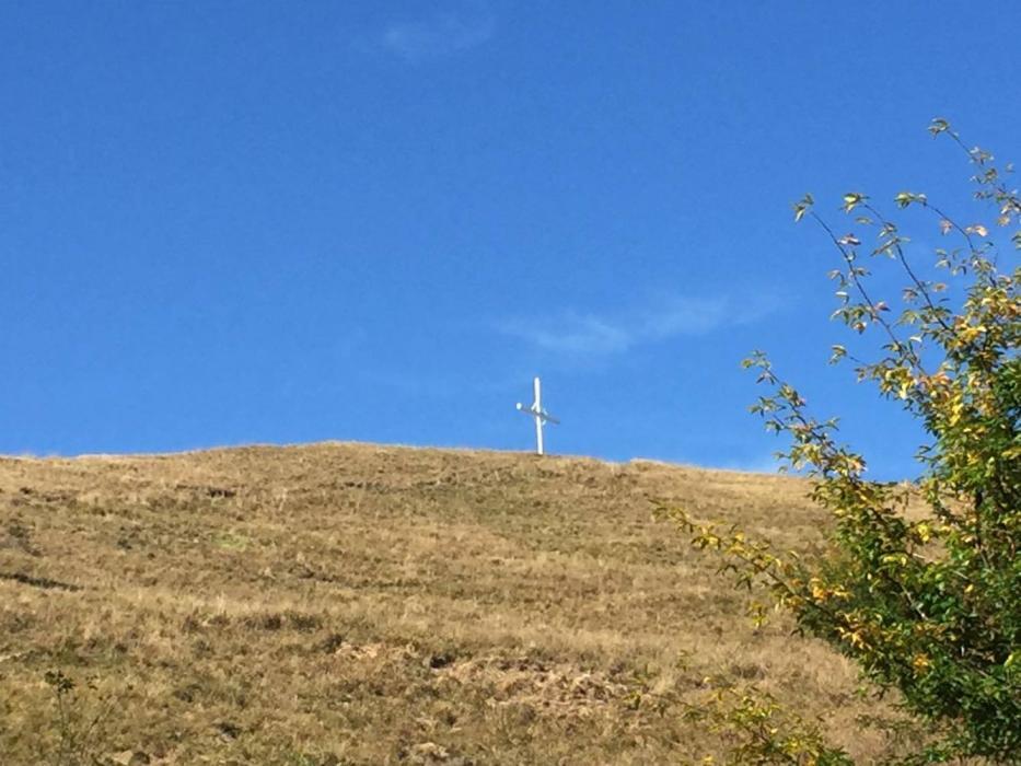La croce sulla vetta del Monte Antola