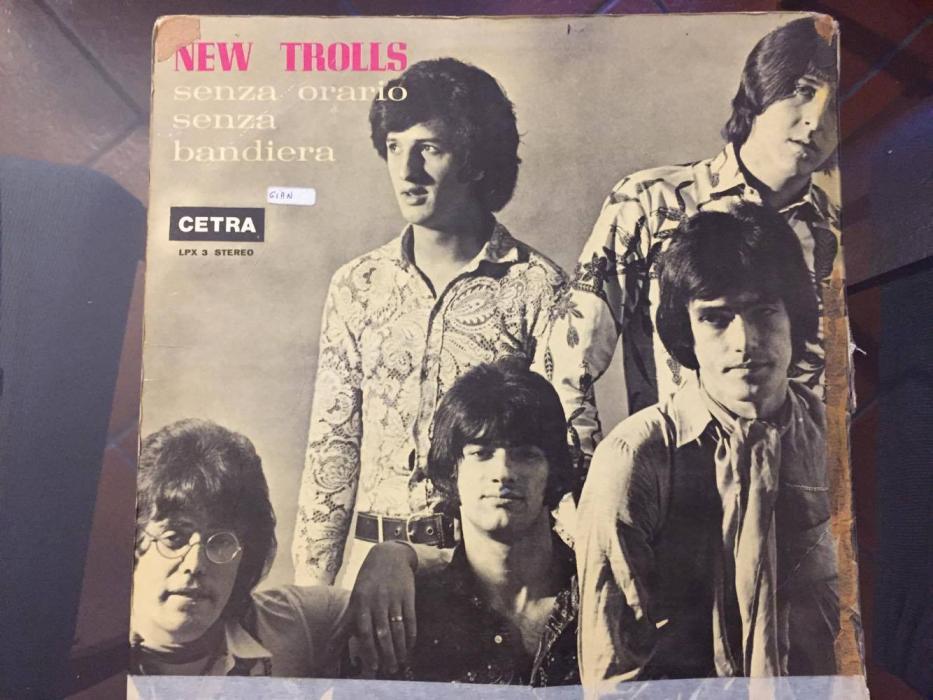 La copertina del primo disco dei New Trolls