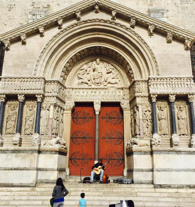 Piazza della Repubblica, chiesa di San Trophime, Arles