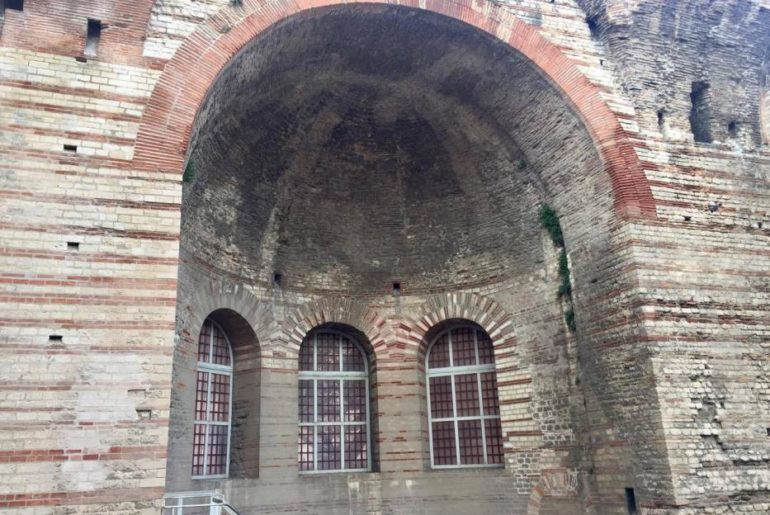 Antiche terme di Arles