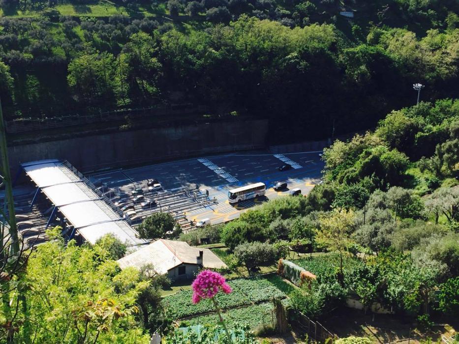Il casello di Genova Ovest visto da qui è tutta un'altra cosa