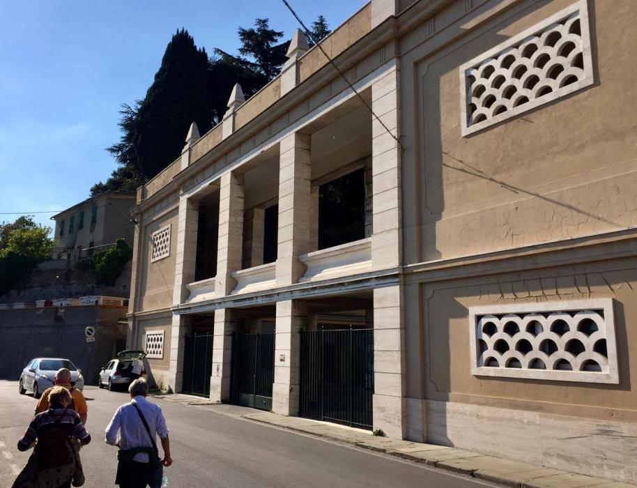 Il cimitero della Castagna che avevo solo visto entrando dal casello di Genova Ovest
