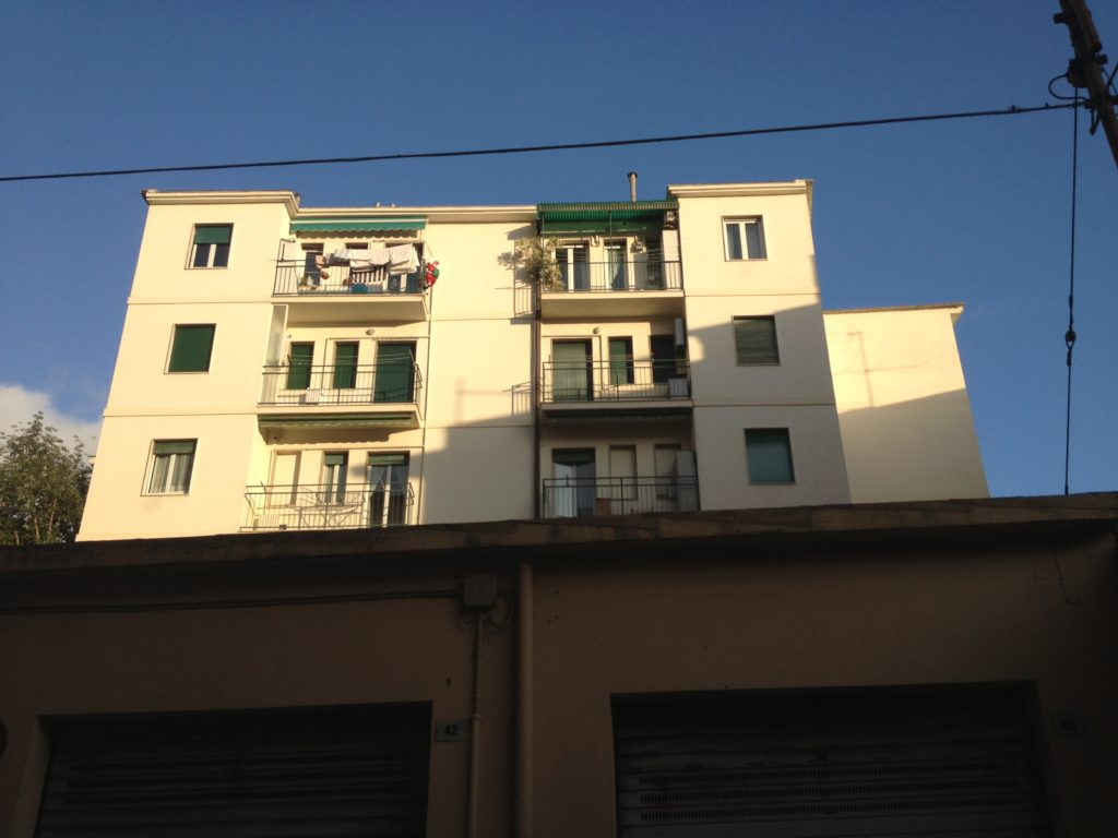 I condomini che soffocano Villa Meridiana