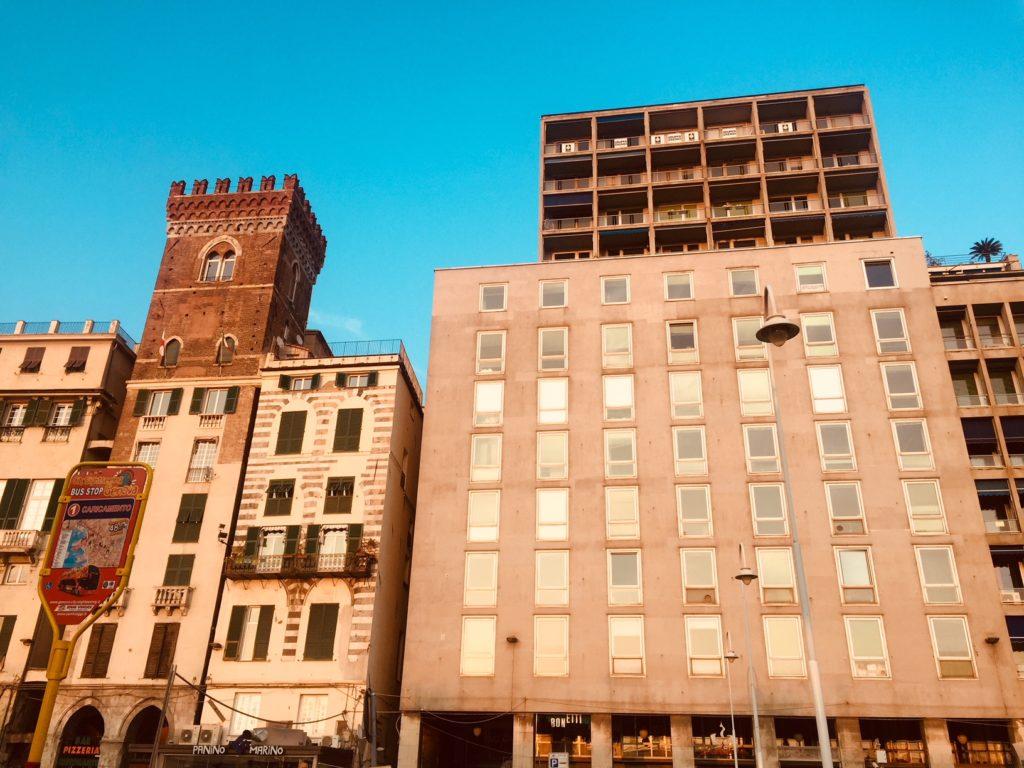 Il Palazzaccio di Piazza Caricamento a Genova.