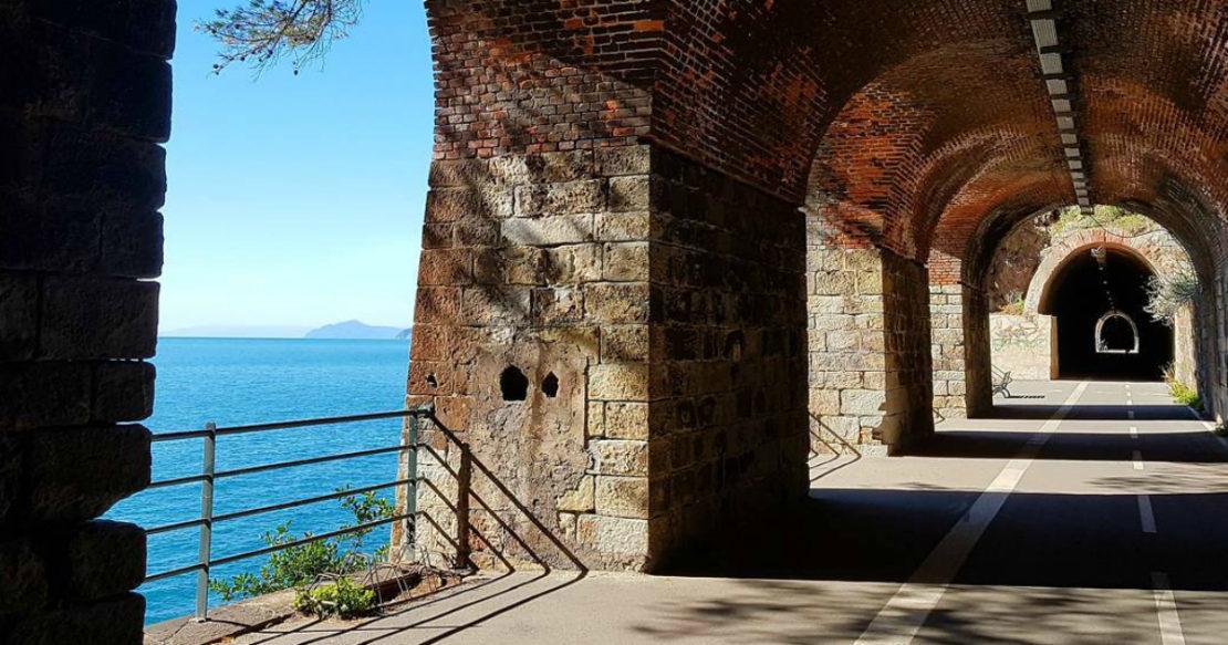 La pista ciclo-pedonale Maremonti tra Framura, Bonassola e Levanto
