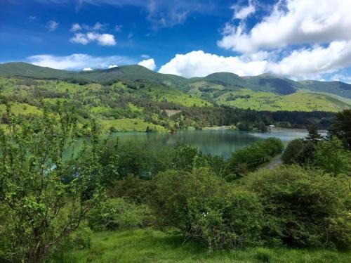 Il panorama intorno al lago di Giacopiane