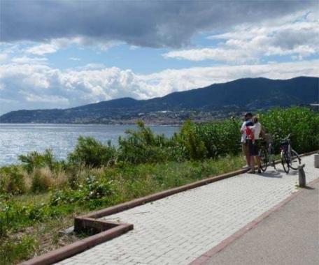 Sanremo è sempre Sanremo: il panorama dalla pista ciclabile
