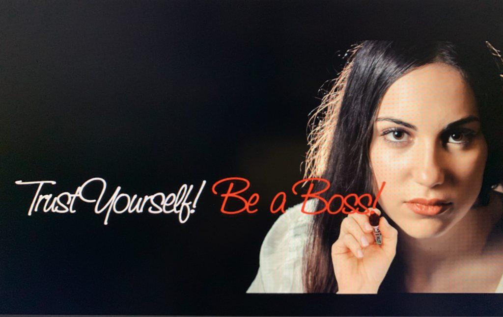 Donna che ha fiducia in se stessa