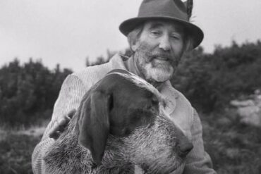 Marco Rigoni Stern con il suo cane